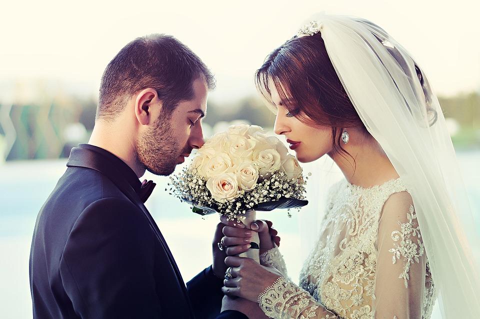 結婚 効率的 画像
