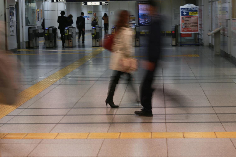 電車通勤 画像