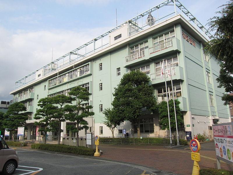 栄区 役所 画像