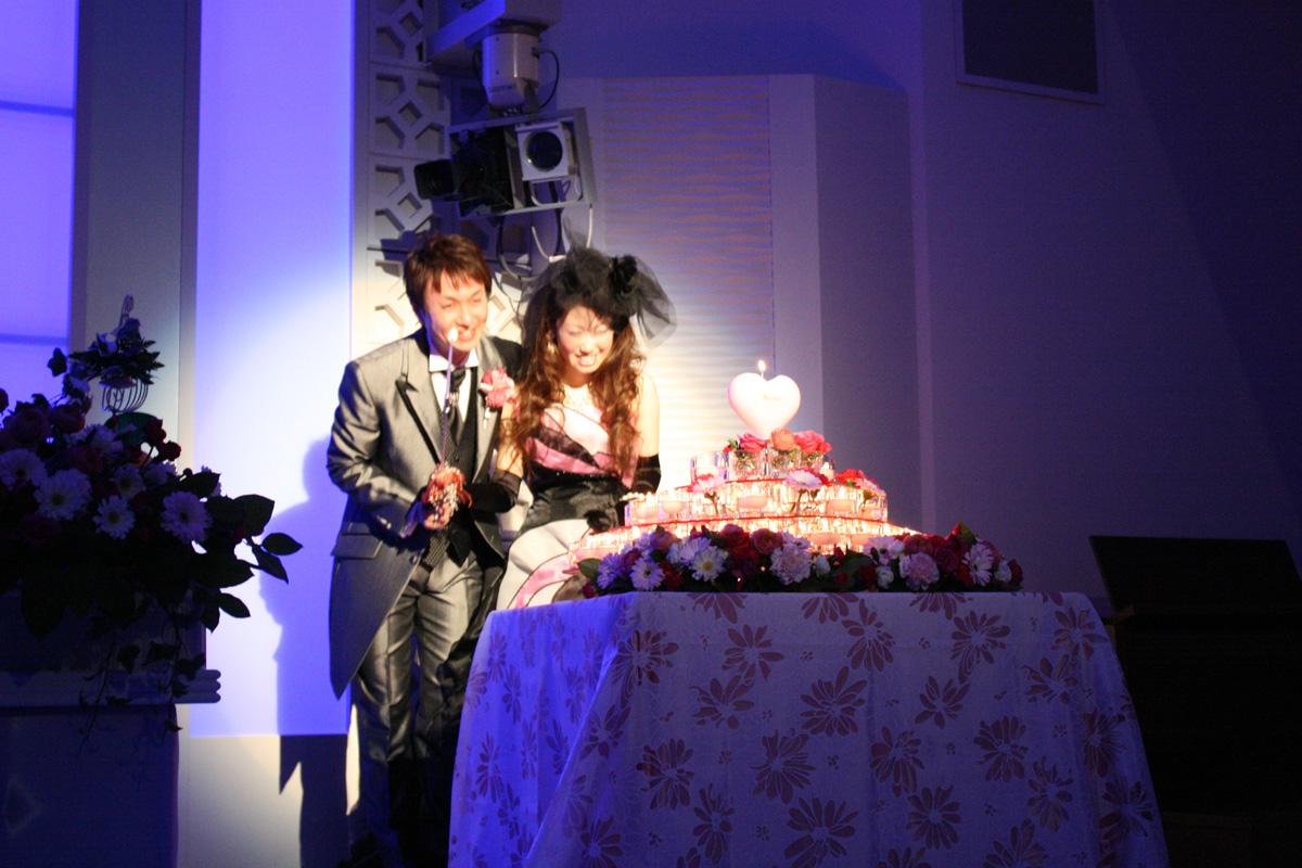 結婚式 ケーキ入刀 画像